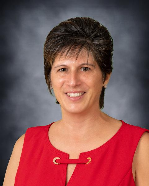 Debbie McCarthy : Grade 3 Teacher